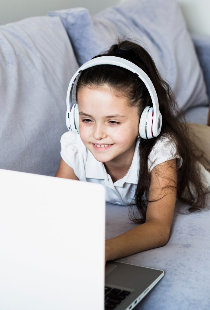 girl_laptop